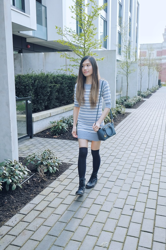 stripes sweater dress, ostrich print bag